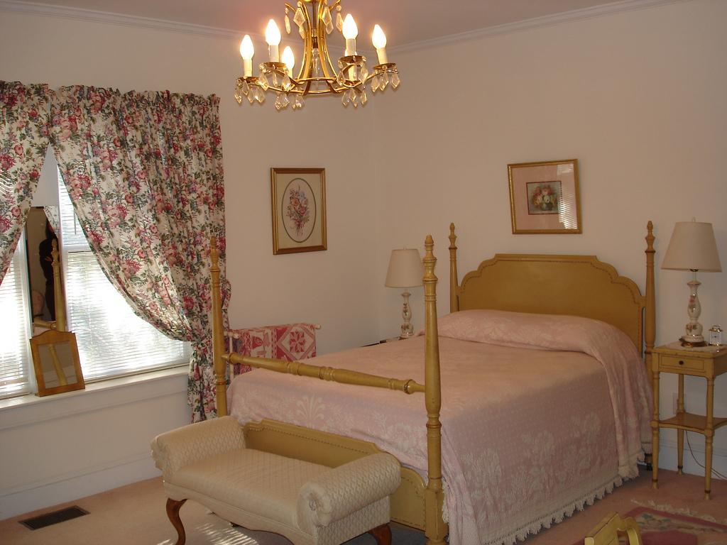 grandmother-bedroom